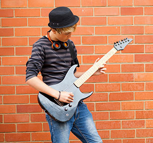 Mississauga Piano Lessons for Teens. Oakville music lessons. Vaughan. Guitar. Singing. Drums
